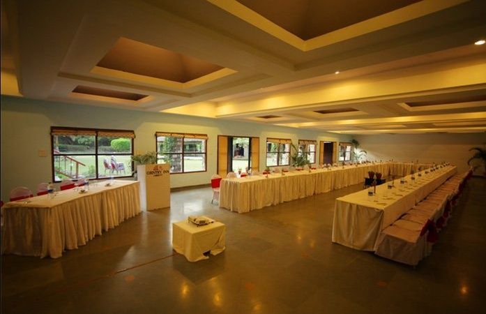 Country Inn Ramnagar Jim Corbett - Banquet Hall