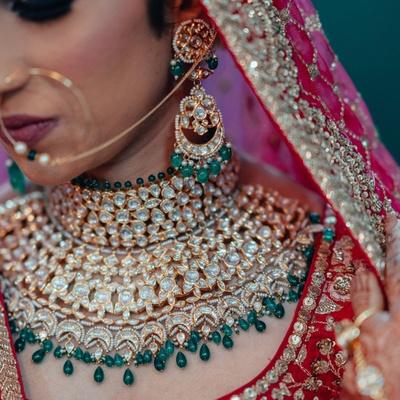 A closer look at Vishakha's gorgeous bridal jewellery.
