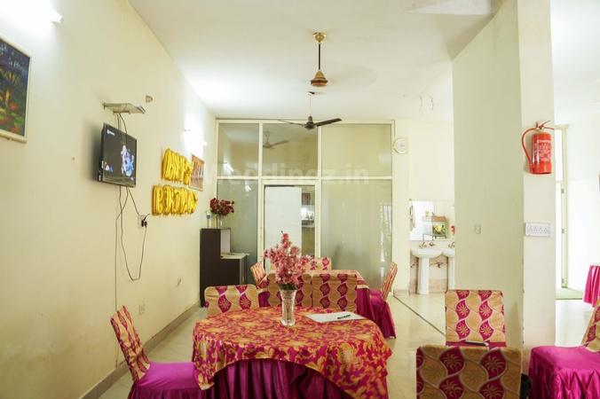 Gaurav Residency Zirakpur Chandigarh - Banquet Hall