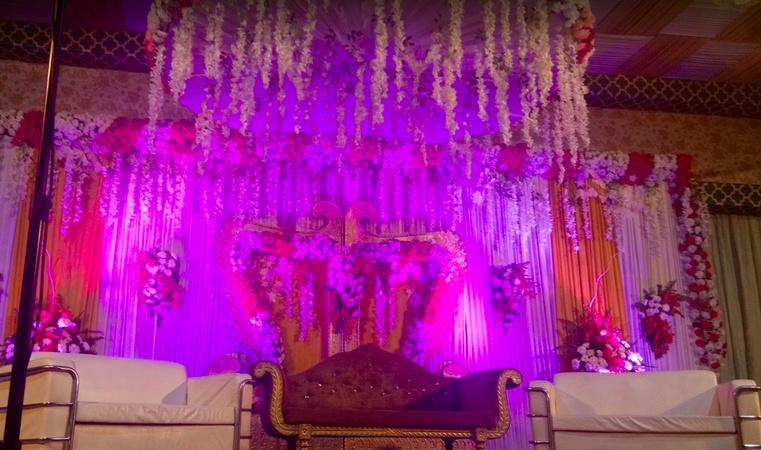 Milan Banquet Lawn Swaroop Nagar Kanpur - Wedding Lawn