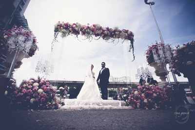 candid couple photography for the wedding ceremony