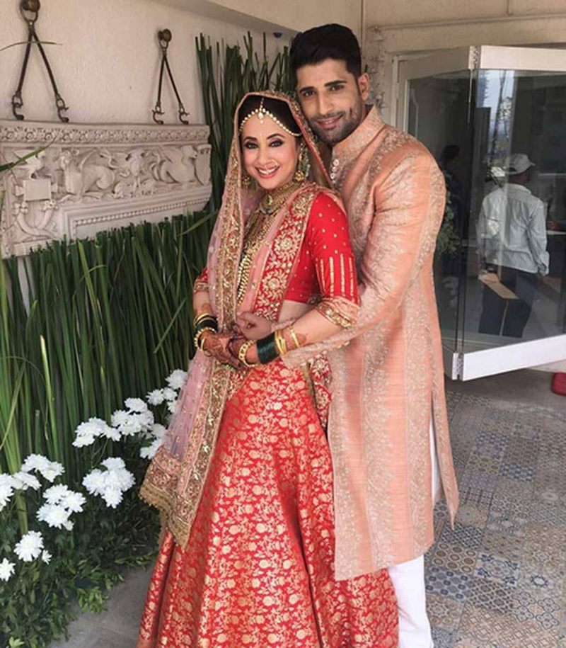 Urmila Matondkar Stuns in Manish Malhotra for her Wedding Day