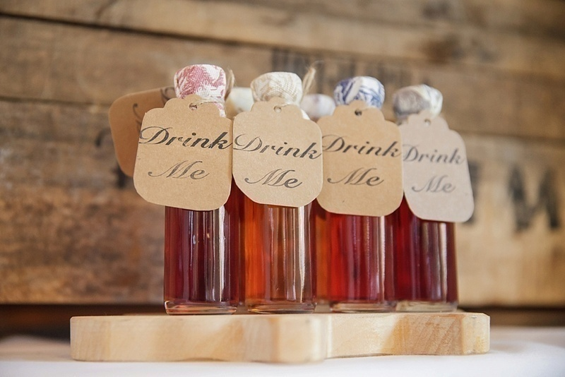When To Send Wedding Gift: Personalized And Unique Wedding Favour Ideas To Gift With