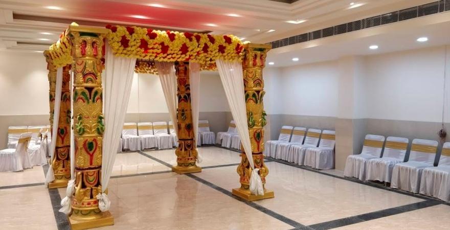 Vedas Banquet Halls and Lawn Kalyanpur Kanpur - Banquet Hall