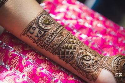 bridal hand mehndi design ideas