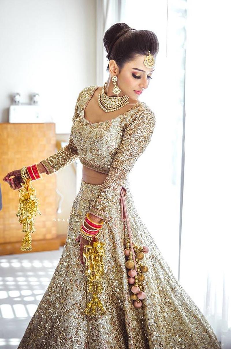Beautiful Hindu Wedding Dress For Bride Image Collection - Wedding ...