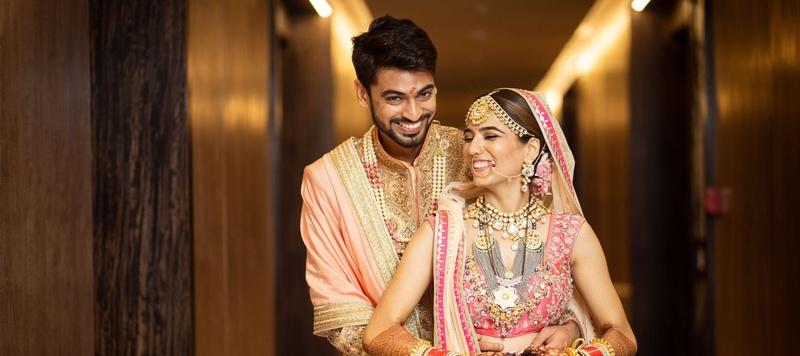 Yogesh & Rashi Mumbai : An OTT wedding in Mumbai for these love birds!