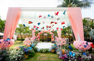 A stunning butterfly theme decoration for the mehendi ceremony!