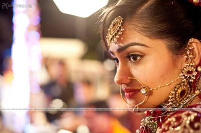 Kundan-polki jewellery set enhancing the bride's beauty