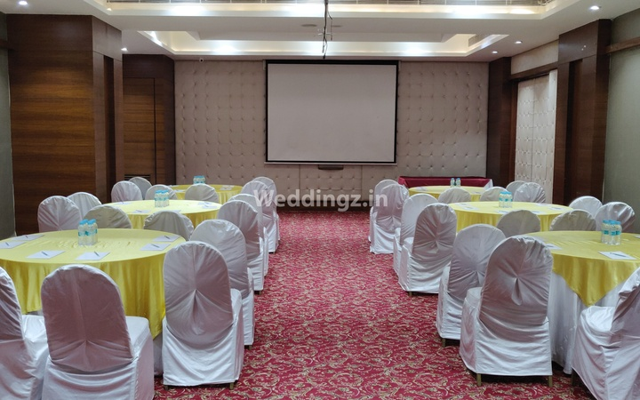 Grand Exotica Business Hotel Chinchwad Pune - Banquet Hall