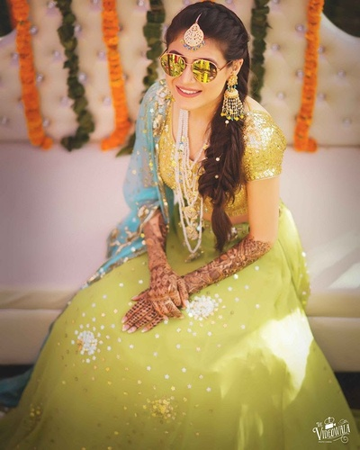 Swagger bride in sunglasses