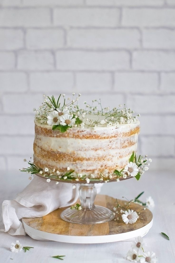 6 Trending Flavours for Your Engagement Cake - Blog