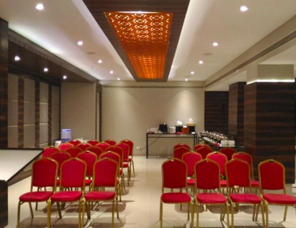 Citrus Hotel Sayajigunj Baroda - Banquet Hall