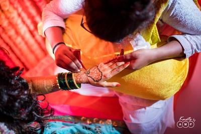 Bridal mehndi design for the bride's hands