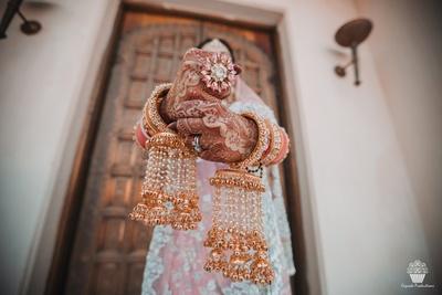 Bridal jewellery captured in beautiful wedding photoshoot