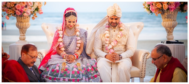 Varun & Kanika Hua Hin : With an ocean as the backdrop and golden sandy beaches, this wedding was a treat to the eyes!