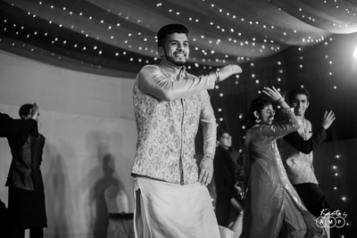 The groom setting the stage on fire with his dance perfromance.