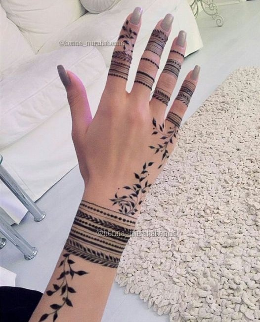 12 Finger Mehndi Designs That Are Oh So Pretty For Indian Wedding
