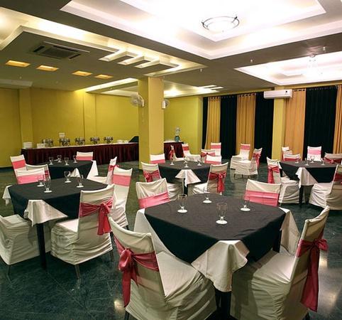 Hotel mosaic vaishali nagar jaipur banquet hall for F salon vaishali nagar