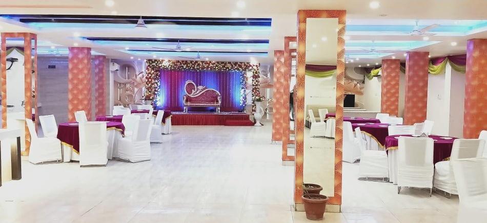 Boomrooms Sector 11 Noida - Banquet Hall