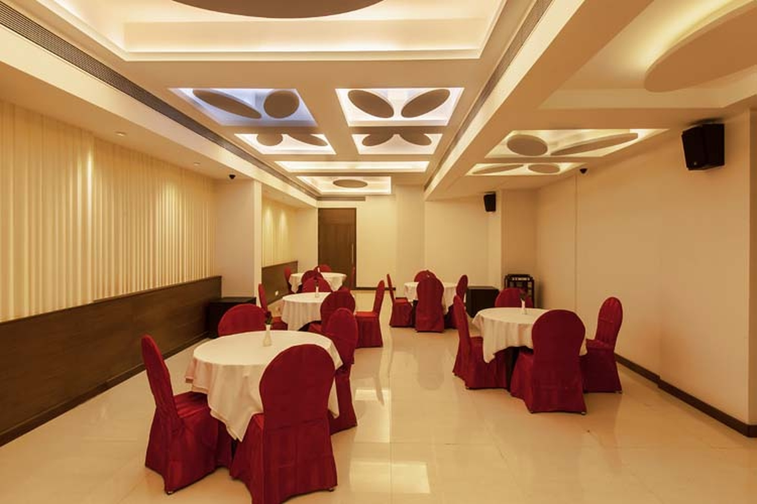 banquet hall executive summary Large size banquet rooms location dinner setting buffet setting school setting  theater s.