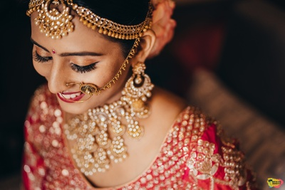 a beautiful portrait of the bride while she gets ready for the wedding