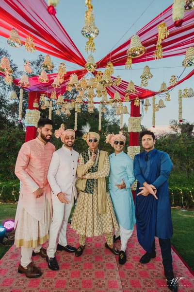Groom and his groomsmen pose for Naman Verma at the wedding in their traditionals