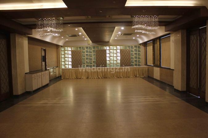 Hotel Planet Landmark Bodakdev Ahmedabad - Banquet Hall