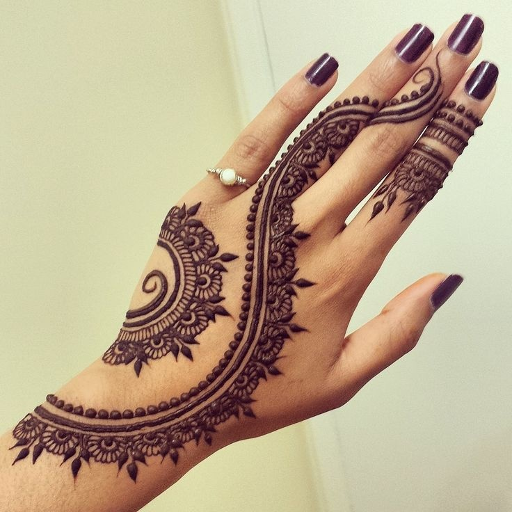 50 Simple Mehndi Design Ideas To Save For Weddings And