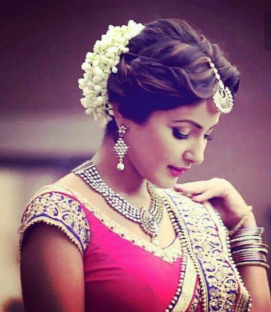 Wedding Hairstyle Gajra: 40 Gorgeous Bridal Hairstyles To Slay Your Wedding Look