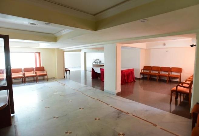 Hotel Aditi Sayajigunj Baroda - Banquet Hall