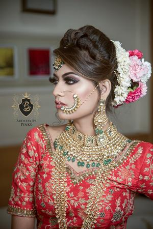 Pinky Bhatia   Delhi   Makeup Artists