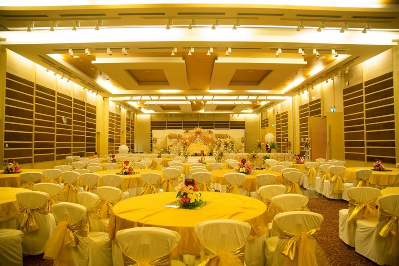 """Popular banquets in Begumpet, Hyderabad where every """"Nawab meets his Begum""""!"""
