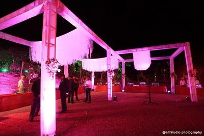 Outdoor wedding venue decor ideas