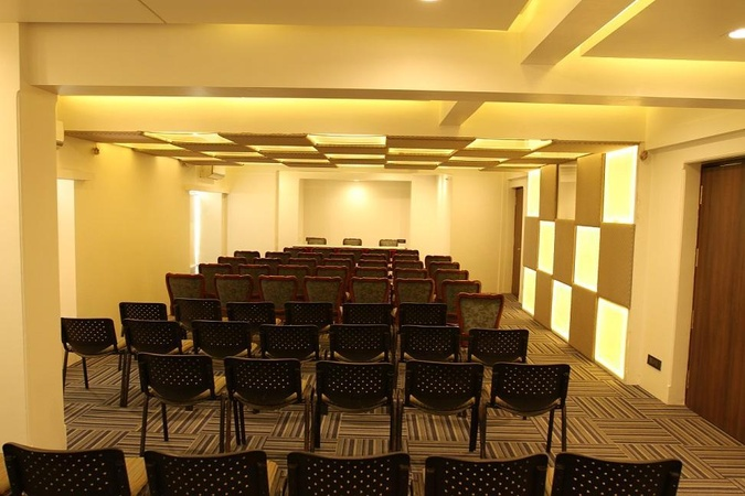 Hotel Sharanam Thane West Mumbai - Banquet Hall