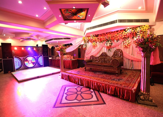 Invitee banquet kirti nagar delhi banquet hall weddingz about invitee banquet invitee banquet kirti nagar stopboris Image collections