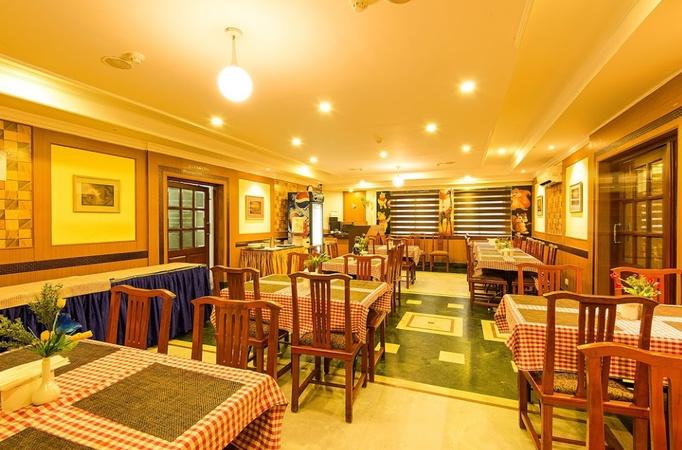 Metro Manor Periyamet Chennai - Banquet Hall