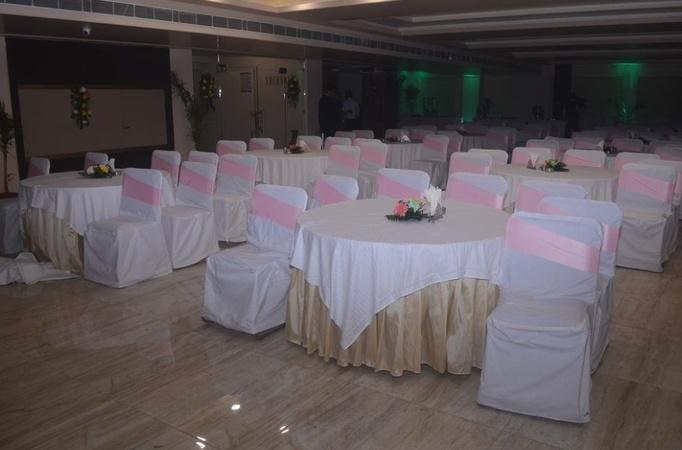 Hotel Madhuvan Palace Nagwa Varanasi - Banquet Hall