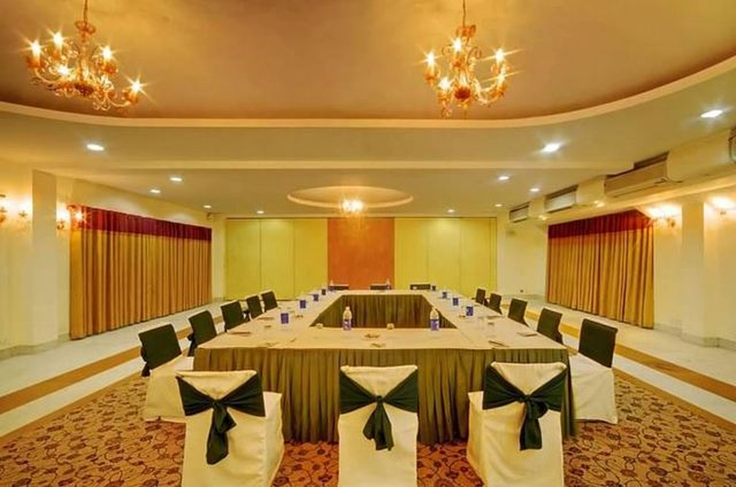 Unitech Club Patio Gurgaon Delhi Banquet Hall Wedding Lawn