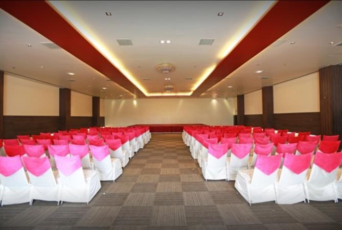 OYO 2166 Hotel K. Mahaveer Nirman Nagar Jaipur - Banquet Hall