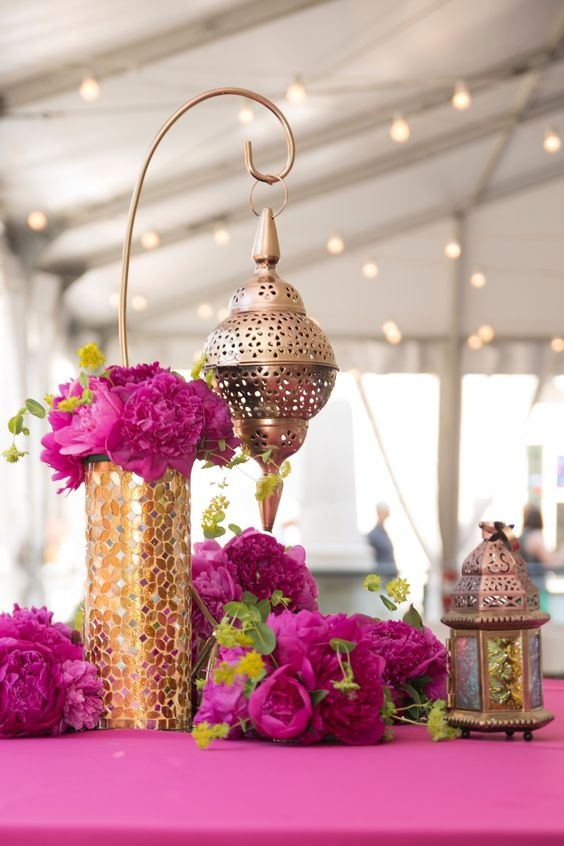 Wedding Centerpieces To Add That Extra Oomph To Your Wedding Table Decoration Wedding Decor Wedding Blog