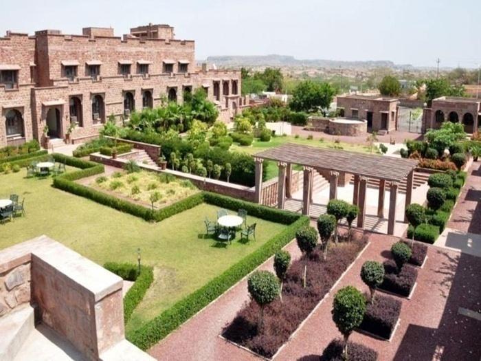 Bijolai Palace - Choupasni Road