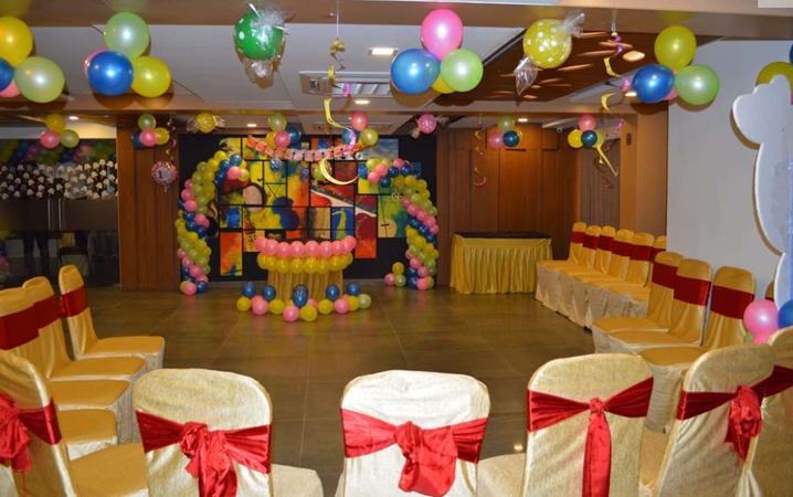 7 Wonders Hotel Kudasan Gandhinagar - Banquet Hall