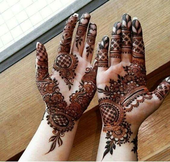 57ce65d45f This Arabic henna design is one of the more intricate ones which has  flowers, leaves, nets and all sorts of beautiful motifs. 13. Pakistani bridal  mehndi ...