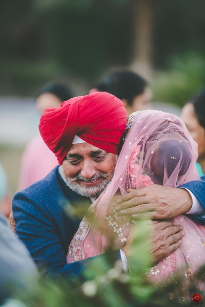 Emotional vidaai photo of the bride and her father