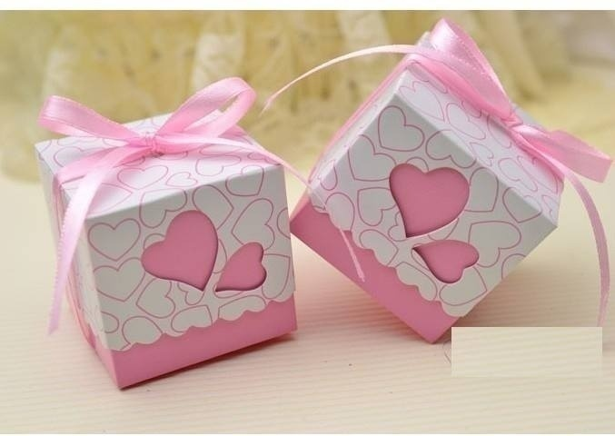 Buy return gifts for the wedding guests