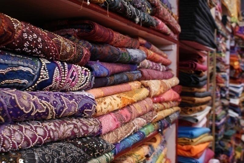 This Malad Market Has Bridal Lehengas For Under 10,000