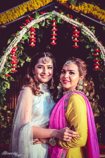 A bride's besties are the most important people in a shoot!
