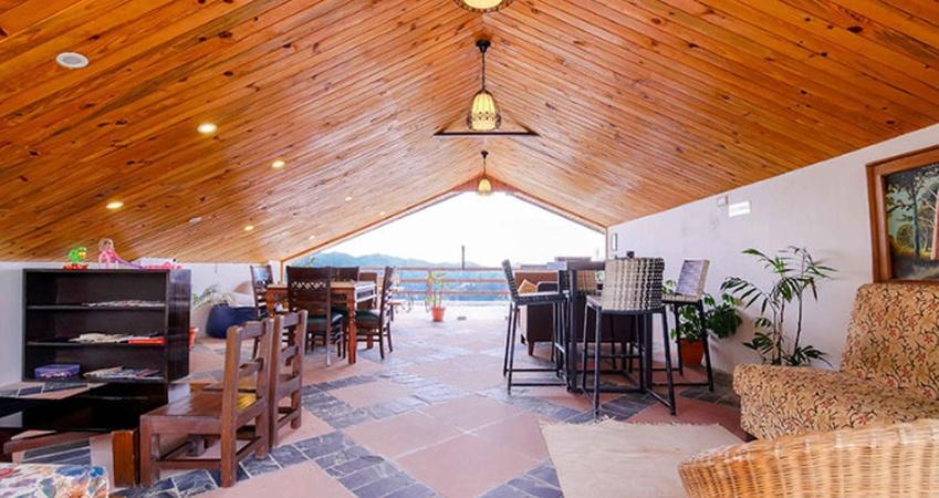 Woodsmoke Resort and Spa Shoghi Shimla - Banquet Hall
