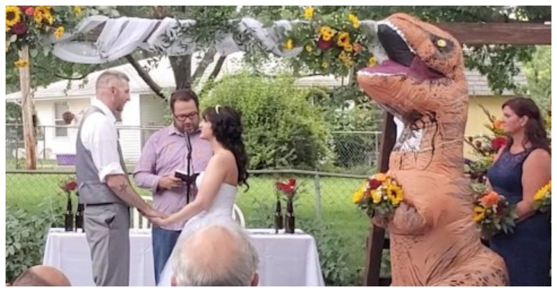 This Bridesmaid Wore a T-Rex Costume her Sister's Wedding